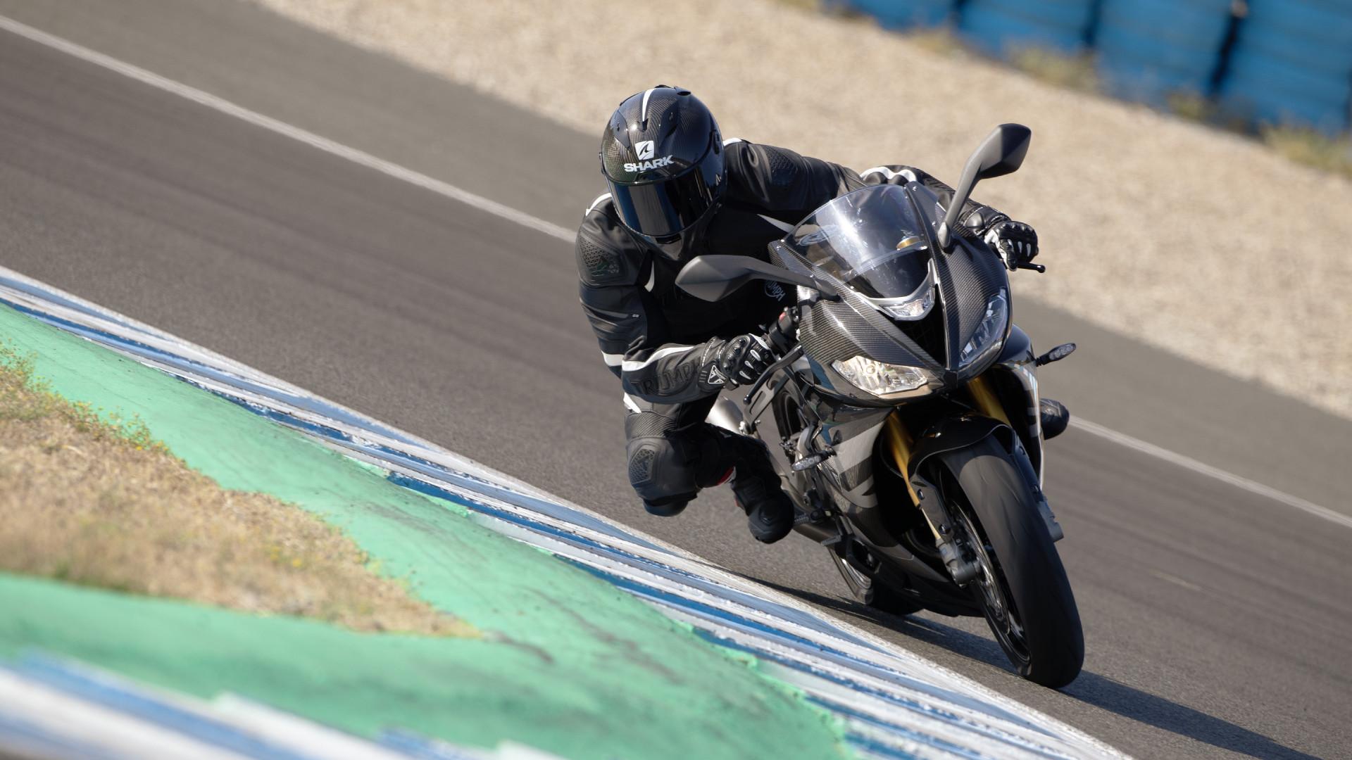 DAYTONA Moto2™ 765 LIMITED EDITION