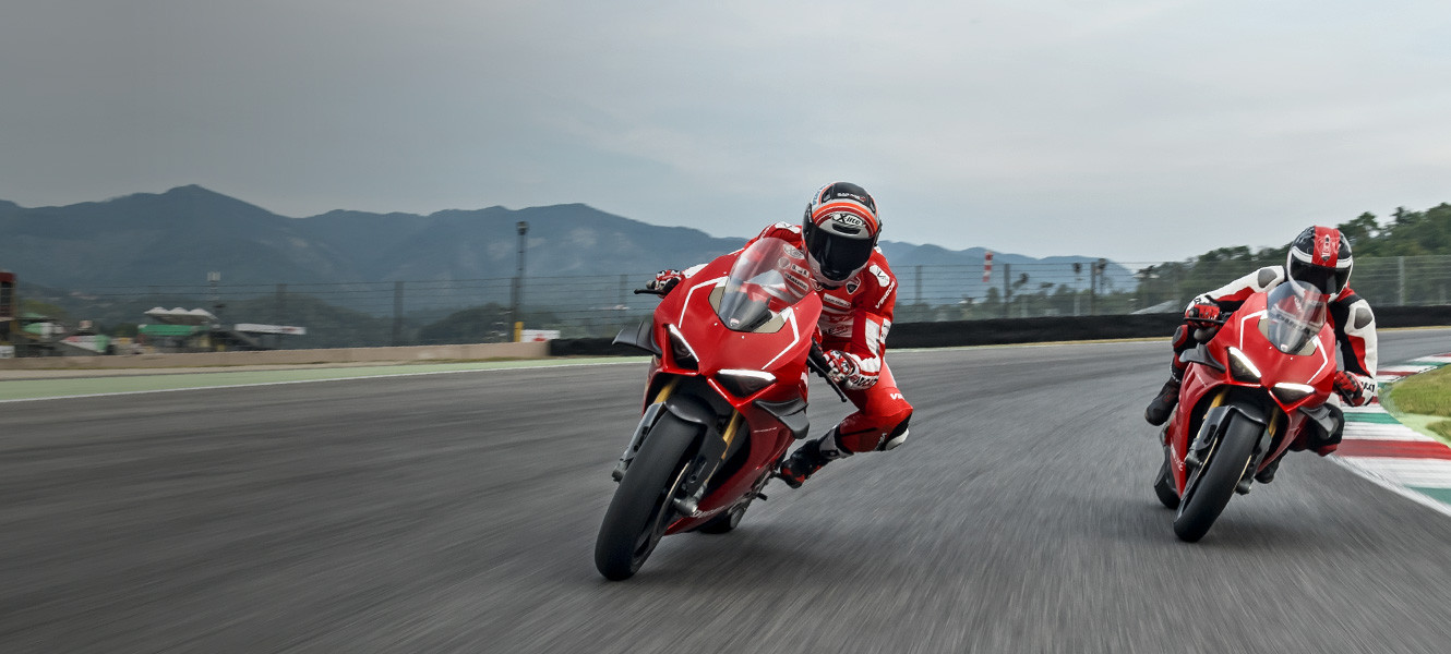 The new Panigale V4 R embodies the maximum expression of Ducati values: style, sophistication, performance.